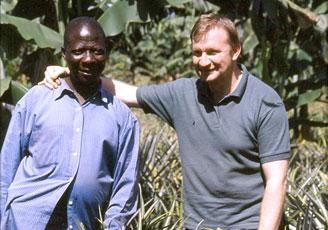 Karl Pirsch mit einem Ananas-Produzenten